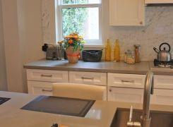 Kitchen island with sink
